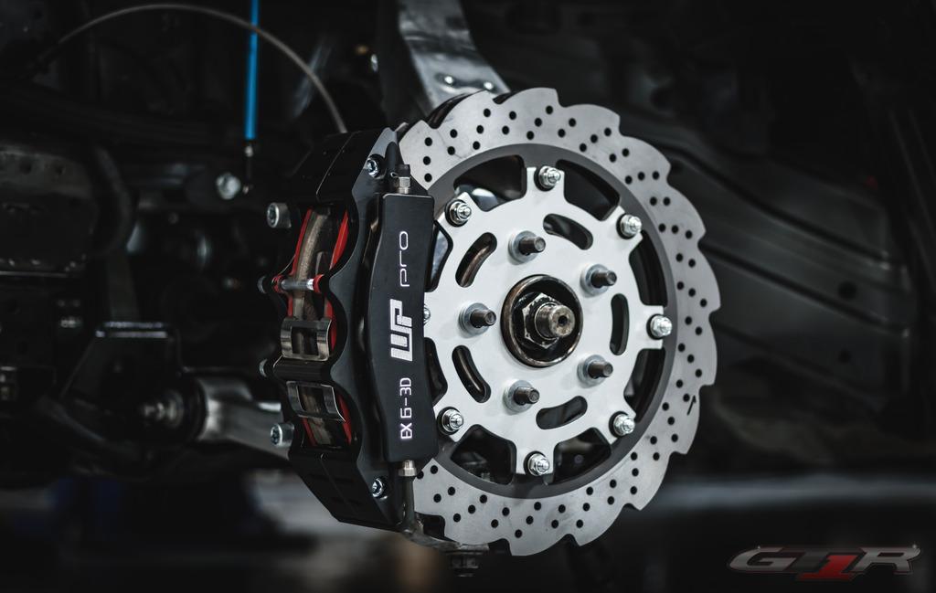 GT1R Front Slick/Wheel/Brake Combo - GT-R
